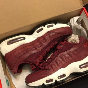 USED red Nike Air Max